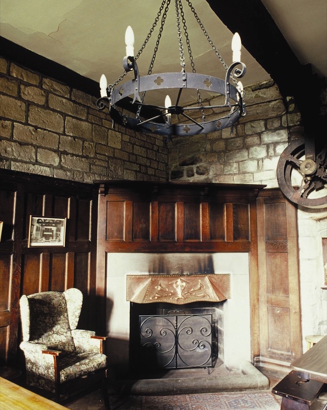 yha-st-briavels-castle-places-to-stay-hostels-large (1)