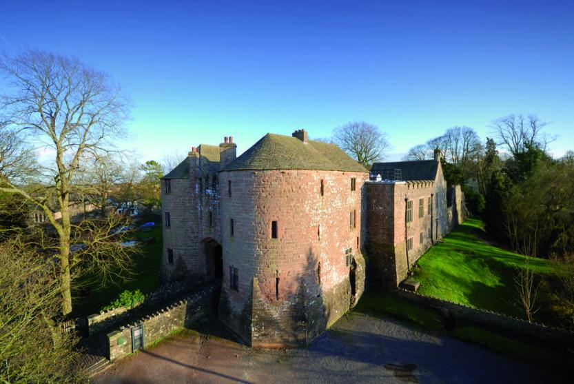 yha-st-briavels-castle-places-to-stay-hostels-large (3)