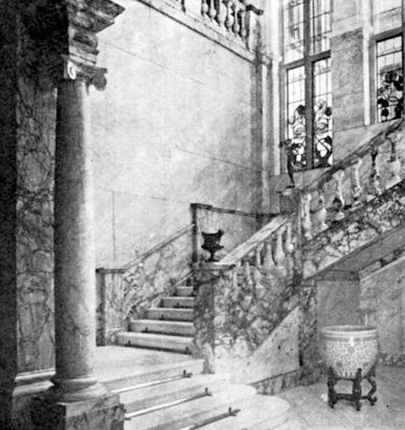 Marble_Hall_staircase